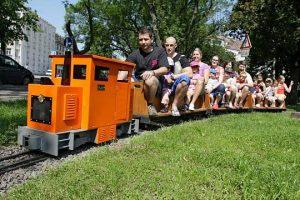 lokomotiva JeJe v zápřahu